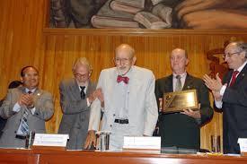 Reconocimiento del Dr. Amago Gonzalez Mendoza por el CUCS, de la Universidad de Guadalajara en el 2012