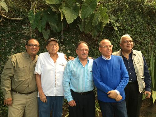 Aqui nuestro amigo Antonio Rondon Lugo en la reunion de fin de año de Piel latinoamericana recuperandose y ya activo de nuevo